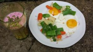 frukost med ägg smoothie